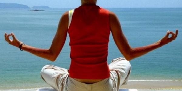girl_meditating