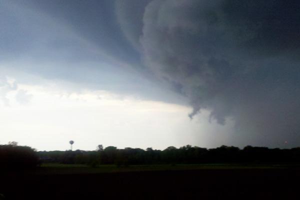 tornado-funnel-cloud